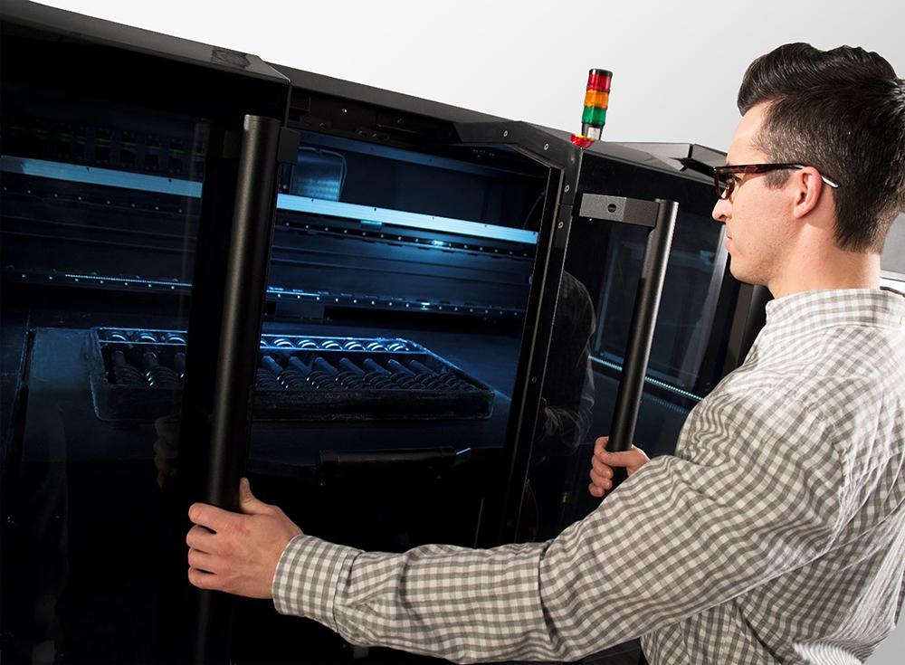 Stratasys J4100 PolyJet 3D Printer - Man opening
